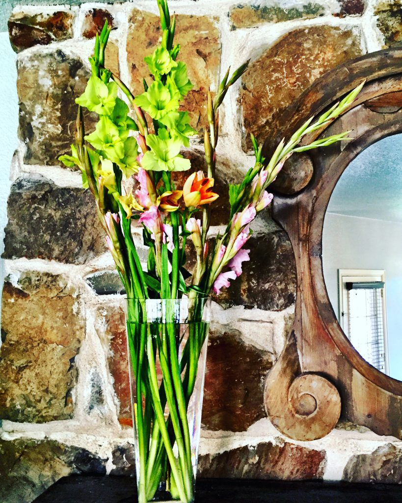 top 10 feng shui tips cre. Fresh Flowers + Wood Element Water Simple Feng Shui Top 10 Tips Cre